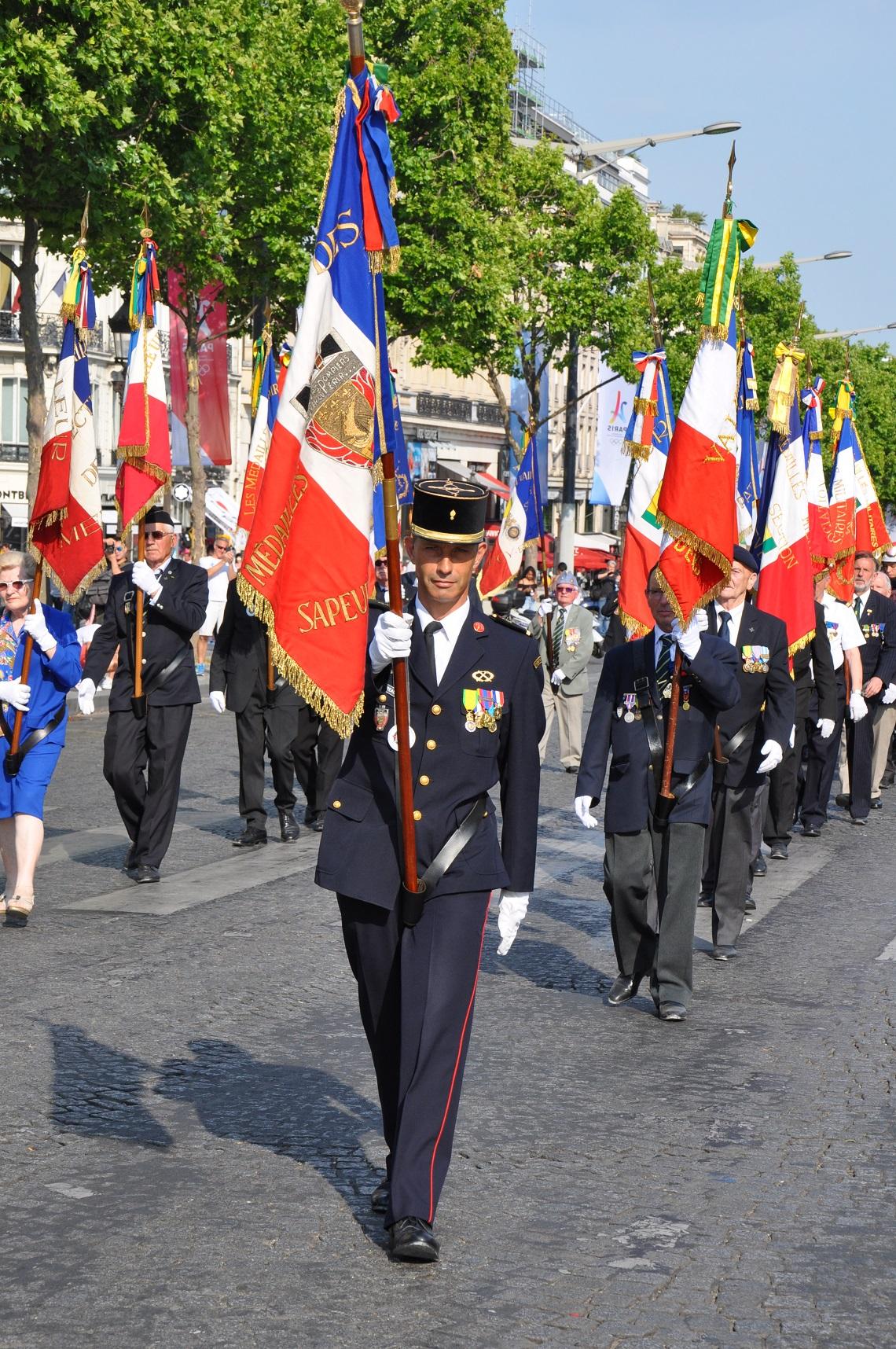 Adc franck moreau porte drapeau